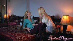 Alexa Grace and Jana Jordan enjoying some lesbian fun time