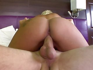 18 years old blonde likes big dick
