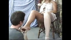 Giantess legs worship