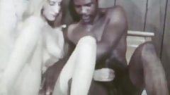 Unknown Interracial Sex Loop.avi
