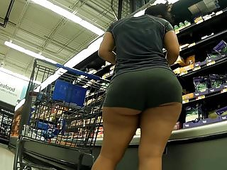 Short and thick with ass for days<c>Playtime<d>