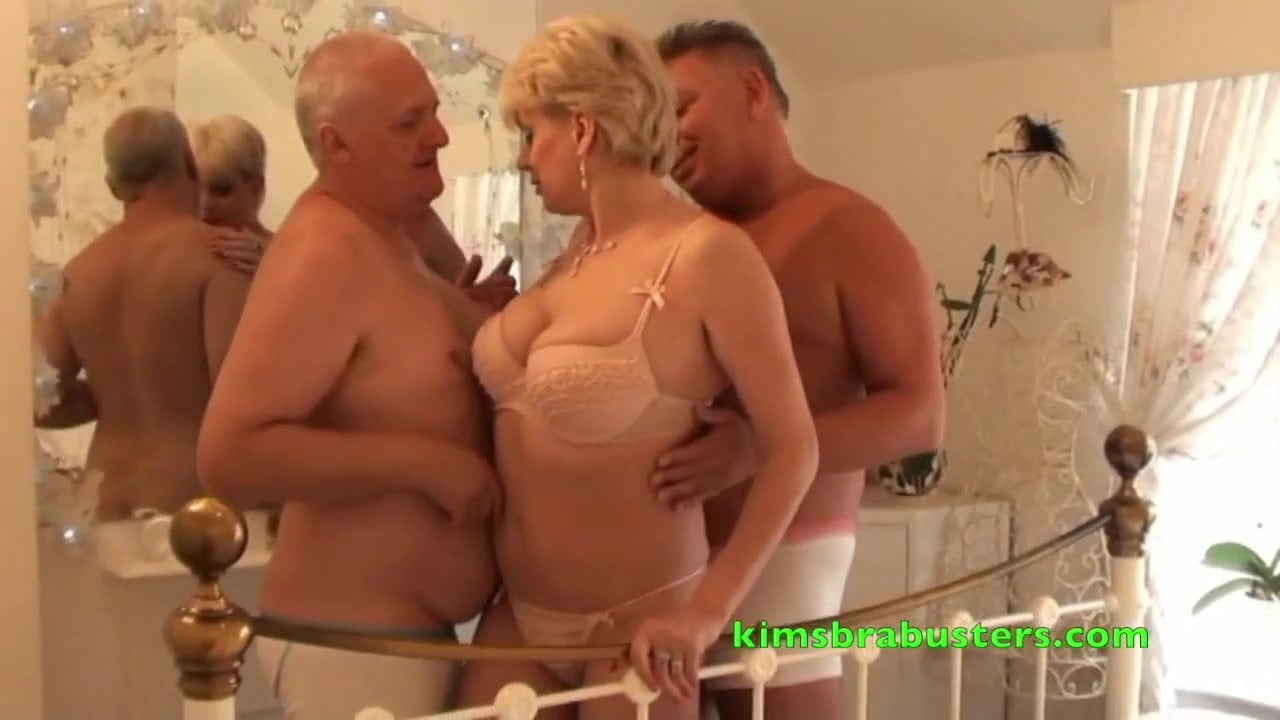 John Pops Next To Fuck His Neighbours Wife Free Hd Porn Bd-7006