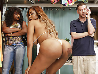 Booty Black Babe Fucks In The Bikini Shop Moriah Mills