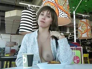 Exhibe au restaurant