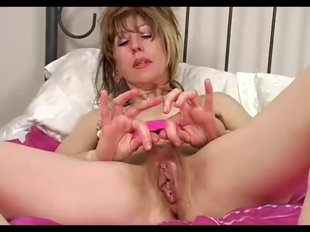 hairy mature pussy Lizzy