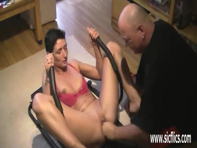 Mature threesome with orgasms
