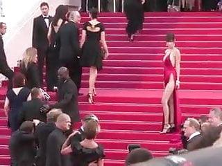 Download video bokep bella hadid cannes redcarpet Mp4 terbaru
