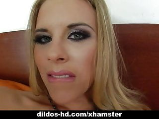 Blonde Tereza solo anal dilso show