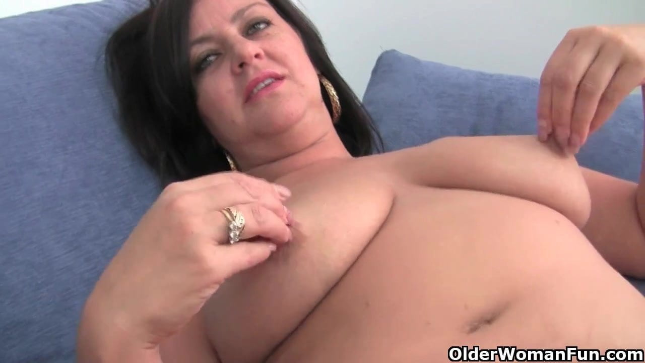 Mature Soccer Mom With Big Tits Gets Fingered Free Porn 63-5369