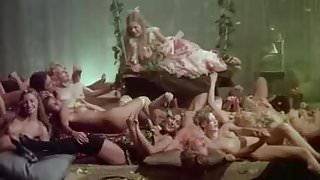 Vizi Privati, Pubbliche Virtu (1976)