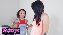 When Girls Play - Holly Hendrix Alissa Jayde - Paint Pussy