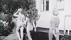 Margaret Nolan, Vera Novak. Vintage naturist clip