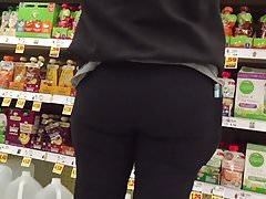 MILF in Black Spandex Pants Nice Hips