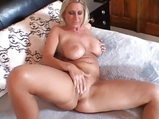 So Hot Housewife