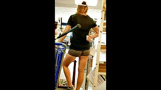 Candid Thrifty Milf in short shorts