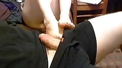 FOOTJOB WITH AWESOME FEET,BLACK TOES AND CUMMED ON IT