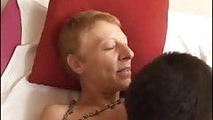 Brigitte mature boufeuse de cul sodomise