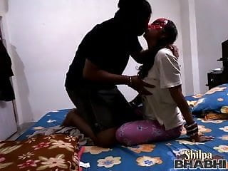 sexy shilpa bhabhi indian amateur giving her man a blowjob