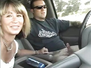 Amateur Car Handjobs and Blowjobs while driving