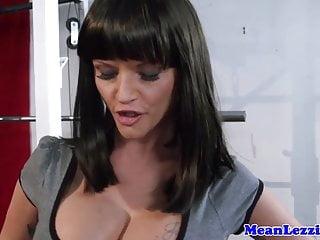 Lez Joslyn James getting rough with Natasha Starr
