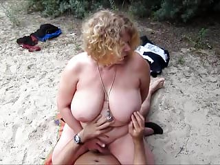 Mature fuck beach