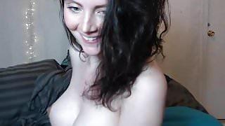 Pregnant hottie's cam show