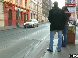 He picks up bbw from street and fucks