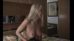 Amateur 69 on webcam