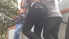 Blonde with big fat ass, rubia culona en leggins