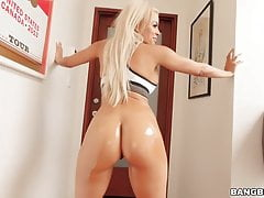 Unbelievable Anal with Round Ass Luna Star