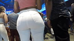 perfect round ass in tight pants