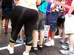 PAWG GILF Tourist in Spandex OMG