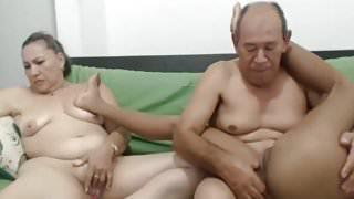 oldmom yuong