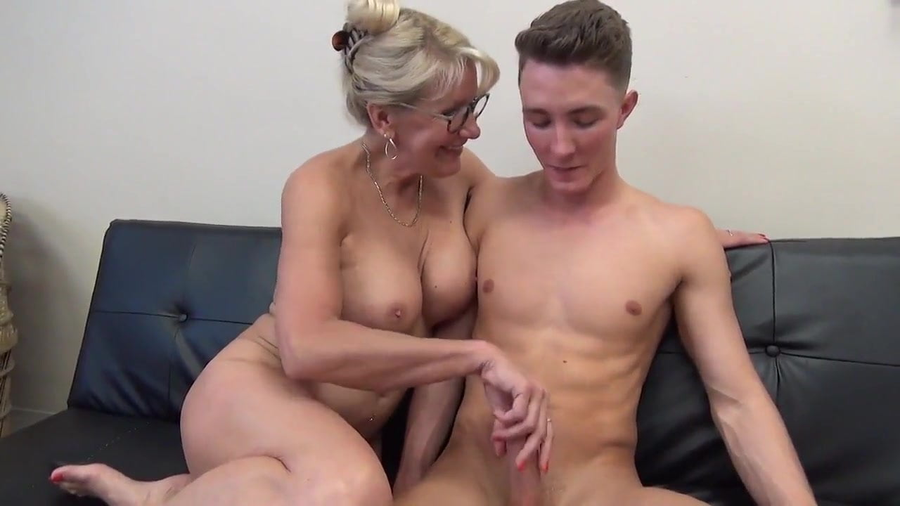 Amateur riding porn