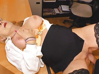 Download video bokep VODEU - Grosse Bruste Deutsche Sekretar gefickt Mp4 terbaru