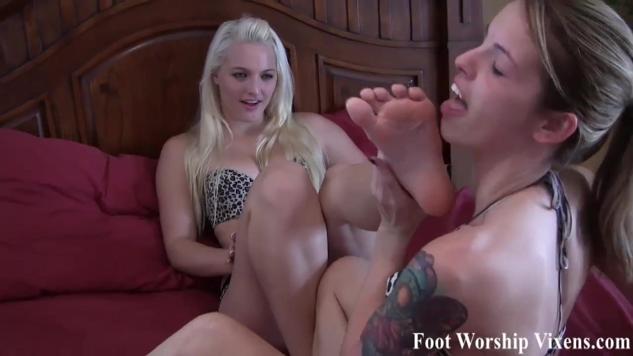 Bella begs Macy to let her worship her feet