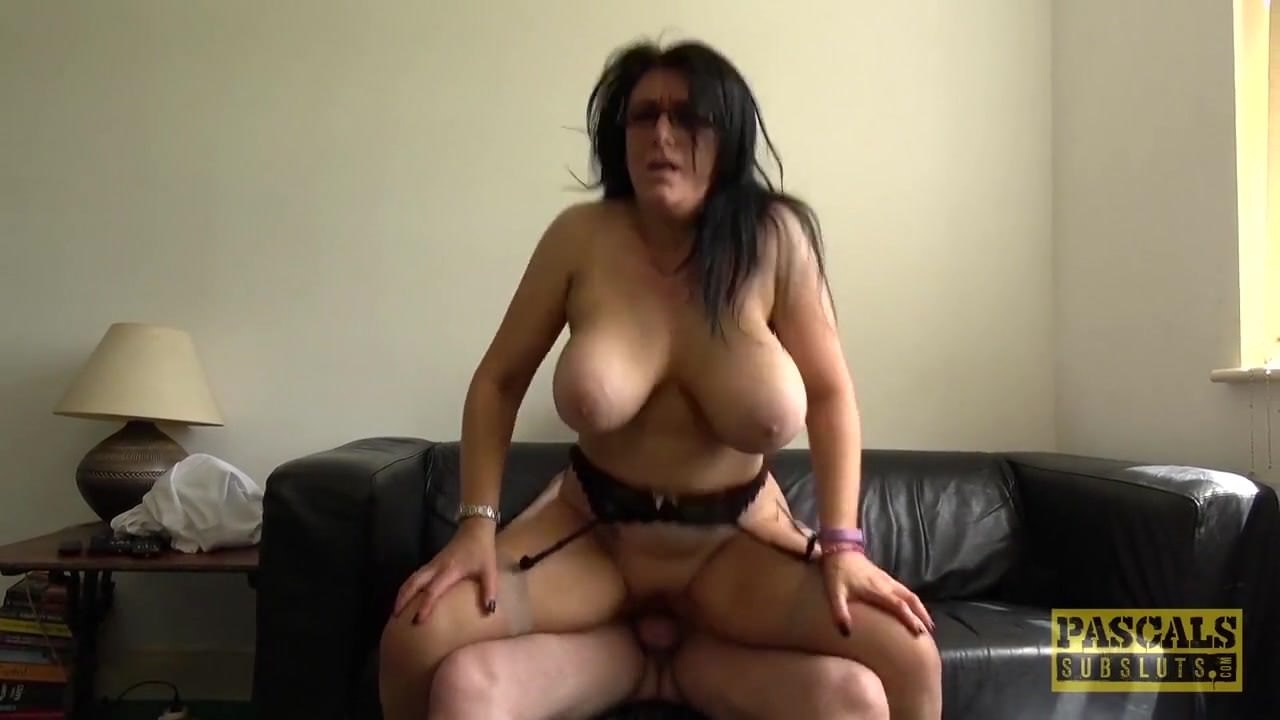 Mature fucked by a homeless