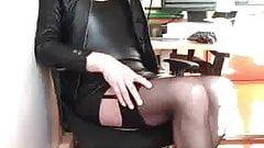 La pute du bureau se touche