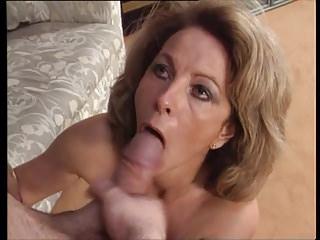 Chantal schluckt wieder Sperma