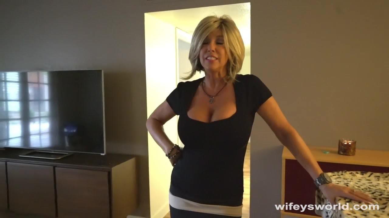 Finger girl to orgasm video