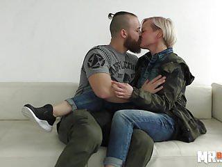 Pornocasting - Eva Blond - HER FIRST PORNO!