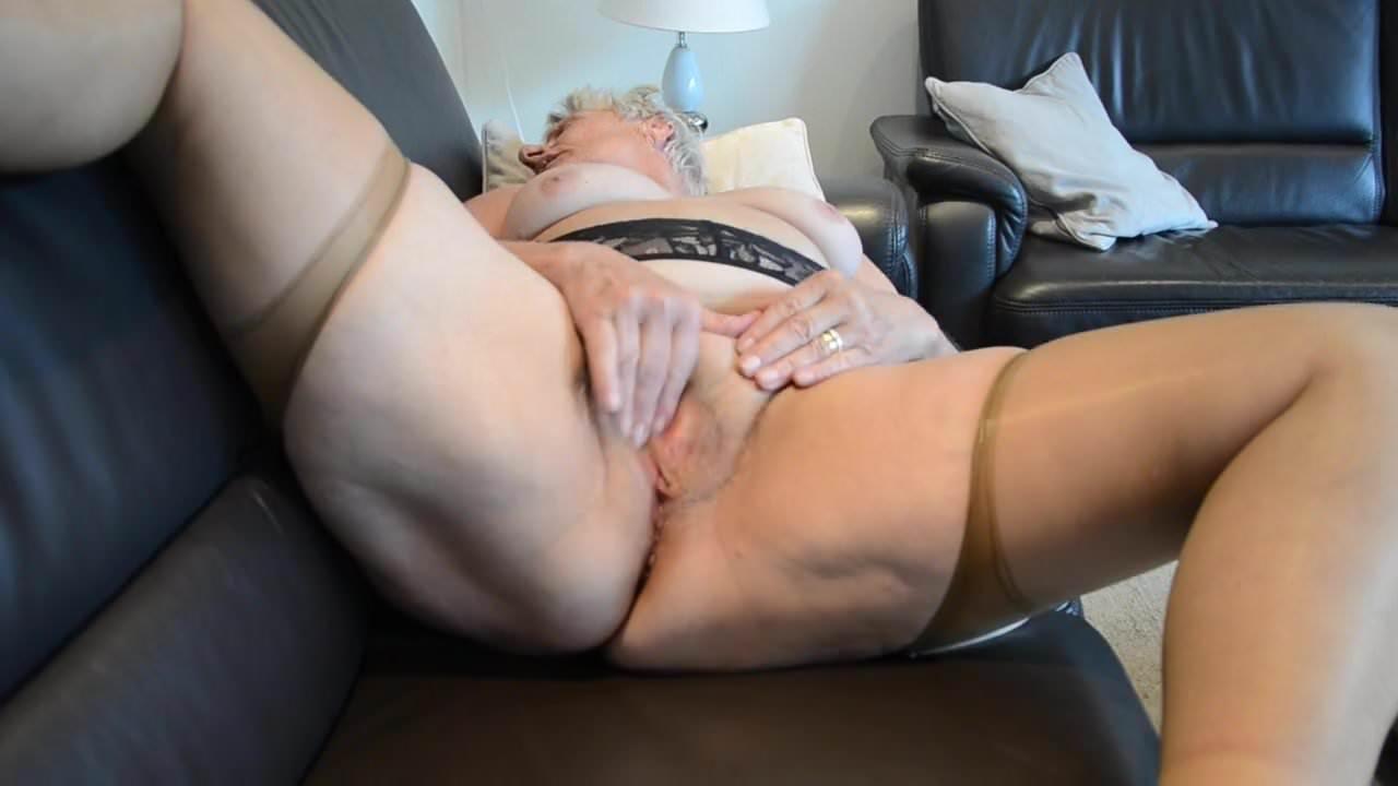 Mom porn gifs