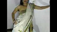 Desi Bhabhi in Saree Hot Camer