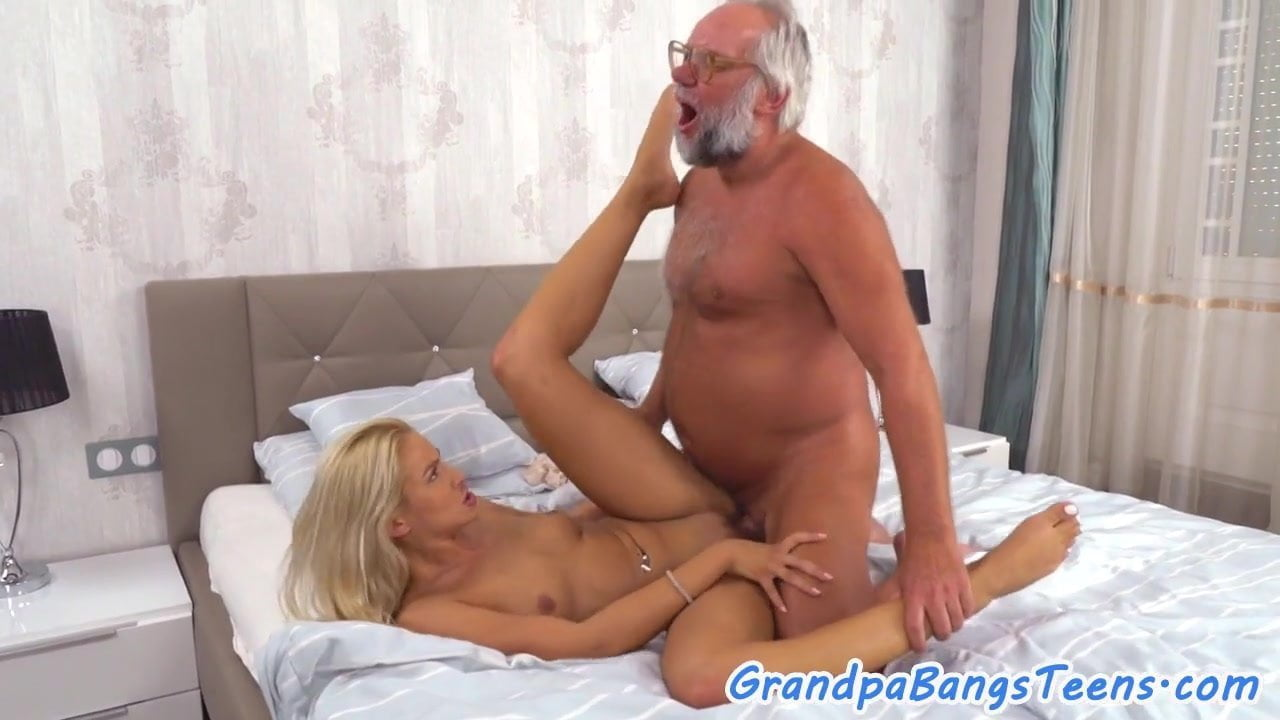 Female anal masturbation experiences