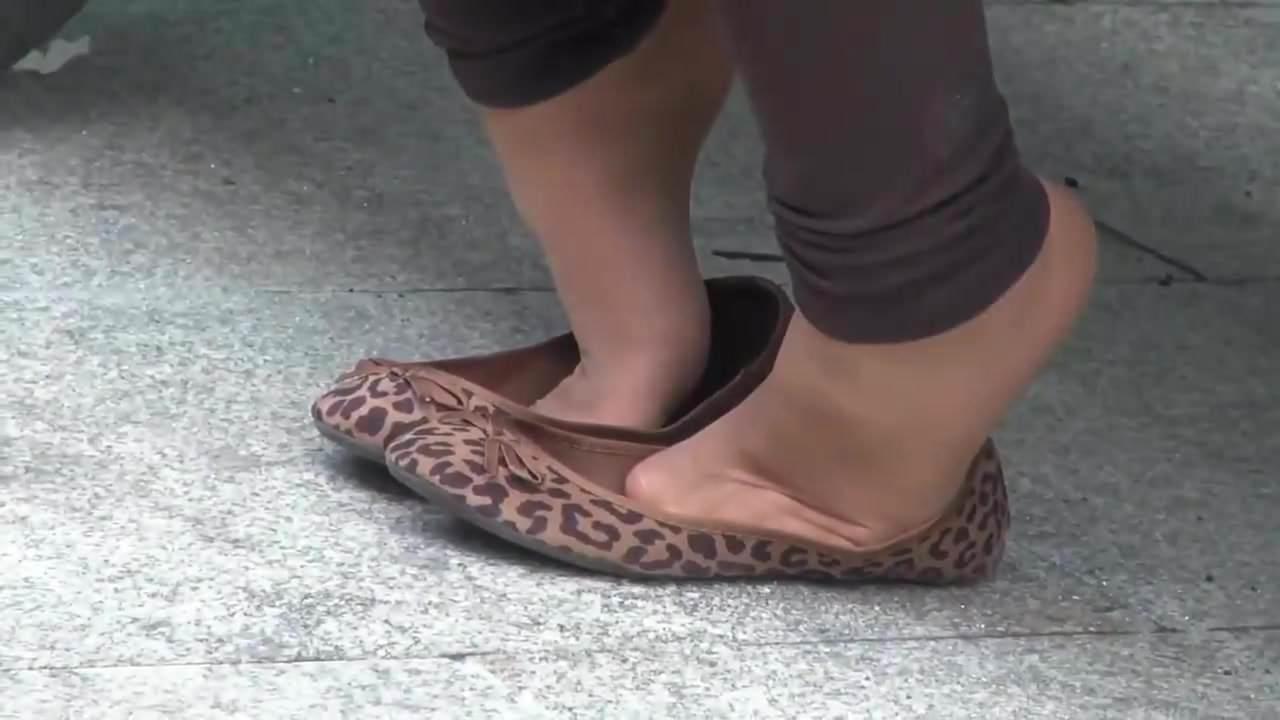 Candid Nylon Feet Public