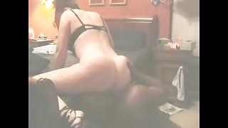 Black mate licking that white bitch till orgasm