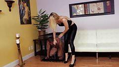 Sierra Nicole Milks Her Footslave