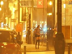 real prostitute in the street pute dans la rue
