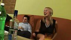 Raz- questi pensano di ubriacarmi e scoparmi ha me