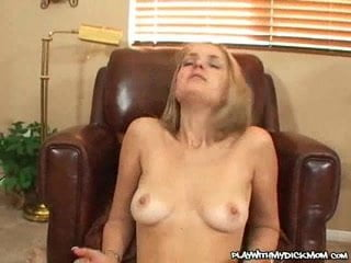 Nasty MILF Gets Her Twat Creamed